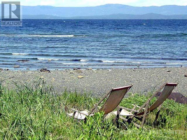 SOLD - 3251 Island Hwy W, Qualicum Beach $1,589,000